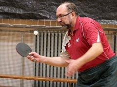 Za účasti šestadvaceti hráčů se v Hostouni uskutečnil 2. ročník Memoriálu Miroslava Holinky ve stolním tenisu.