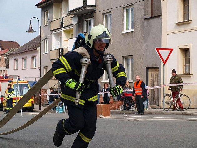 Běh s hadicemi na Poběžovickém železném hasiči.