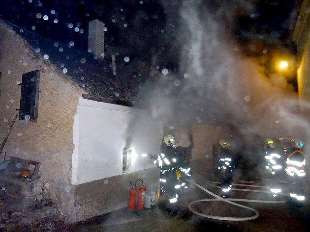 Požár udírny v Kolovči.