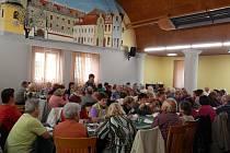 Schůze svaz tělesně postižených v Horšovském Týně.
