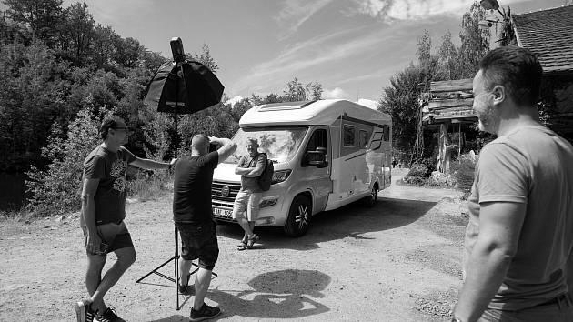 Natáčení v Lomečku.