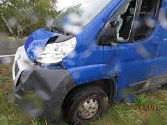 Škoda na vozidle Peugeot byla vyčíslena na 30 tisíc korun.