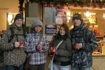 Domažličtí studenti na vánočních trzích v Norimberku.