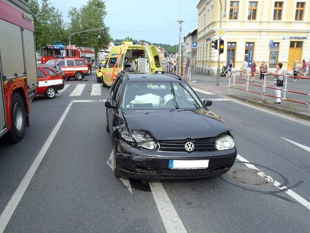 Nedělní dopravní nehoda v Domažlicích.