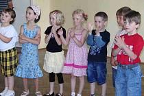 Z loučení s budoucími školáky v trhanovském zámku.