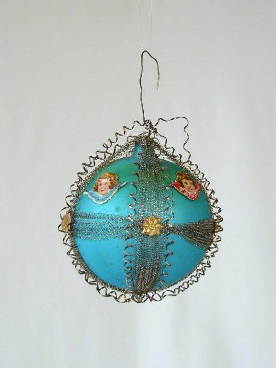 Z vánoční výstavy v Domu dějin Holýšovska.