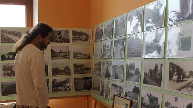 Výstava v osvračínském zámku.