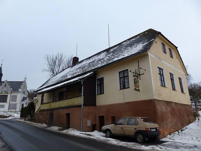 HOSPODA U HADAMŮ. Nyní se jí ujal se svým kamarádem Jiřím Tauerem Jaroslav Běhounek.