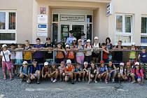Děti navštívili z postřekovského tábora domažlické policisty.