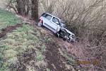 Poničený most v Mrákově. Dopravní nehoda se zde odehrála v pondělí 7. ledna.