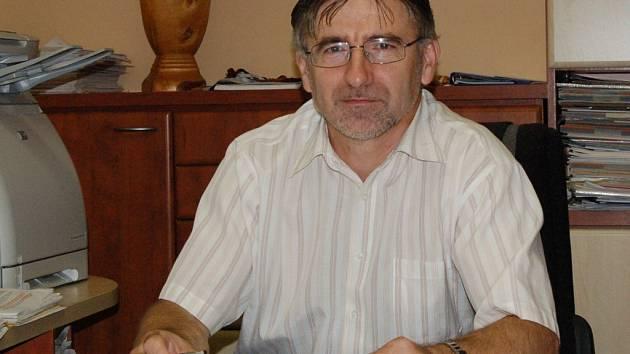 Miloslav Miller, ředitel Domažlické správy nemovitostí, by přivítal, pokud by neplatiči vymizeli.