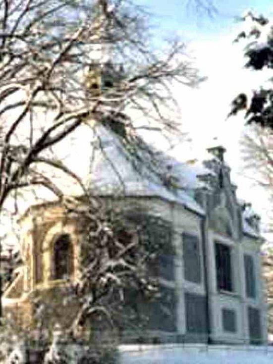 V POSTŘEKOVĚ. Základní kámen kaple byl položen 31. října 1897. Slavnostně vysvěcena byla 29. července 1900. Foto: archiv OÚ Postřekov