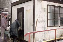 Nevyhovující buňku na koupališti Hájovna nahradí nová zděná budova
