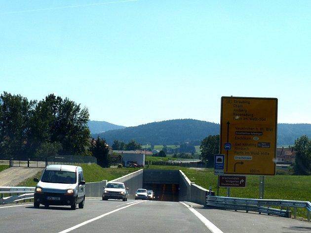 Obchvat Furthu im Wald nejenže zrychlil cestu do Chamu, ale hlavně ulehčil provozu ve Furthu.