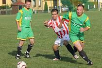 FOTBALISTÉ ZD MECLOV po výhře nad Sokolem Újezd a SK Poběžovice stali vítězi 1. ročníku Memoriálu Jana Švarce, který se v sobotu konal v Třebnicích.