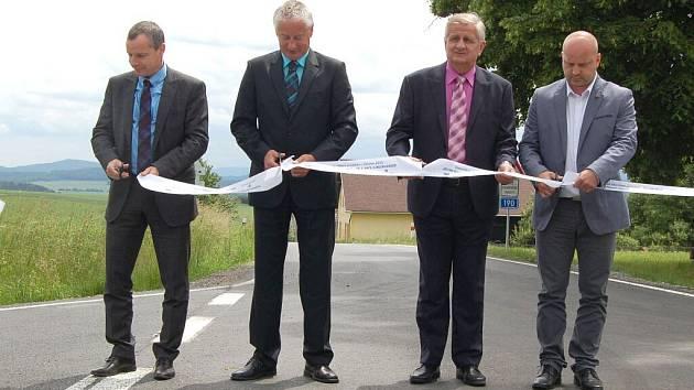 Silnice Všeruby - Spálenec byla uvedena do provozu.