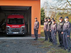 Hasiči z Velkého Malahova dostali nové auto.