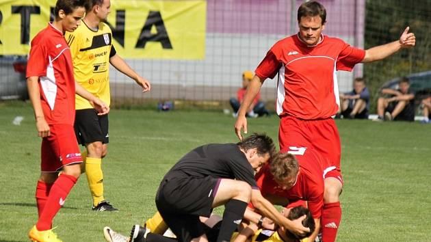Z utkání FC Dynamo Horšovský Týn a SK Slavia Vejprnice.
