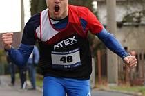 Domažlický triatlonista Tomáš Plojhar obhájil prvenství při Novoročním běhu v Draženově.