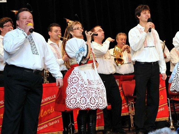 Dechová hudba Gloria v Holýšově.