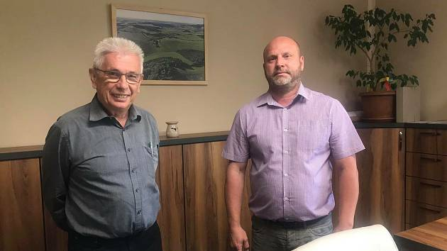 Karl Reitmeier se starostou Všerub Václavem Bernardem (vpravo).