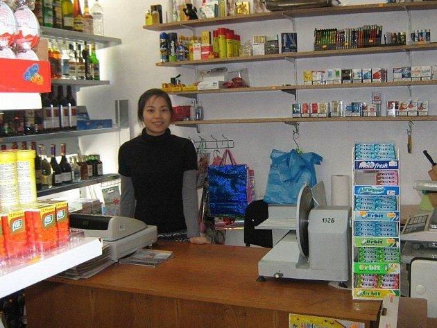 V Semněvicích Vietnamským podnikatelům obchody přímo kvetou.
