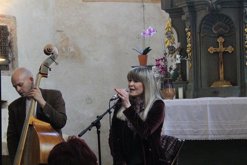 Koncert Chantal Poullain v kostele sv. Mikuláše v Čečovicích.