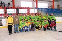 Společný snímek hokejistů HC Sokol Díly.
