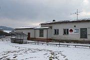 REKONSTRUKCE KABIN pro hráče na fotbalovém hřišti v Zahořanech začne v nejbližších dnech a potrvá do dubna.