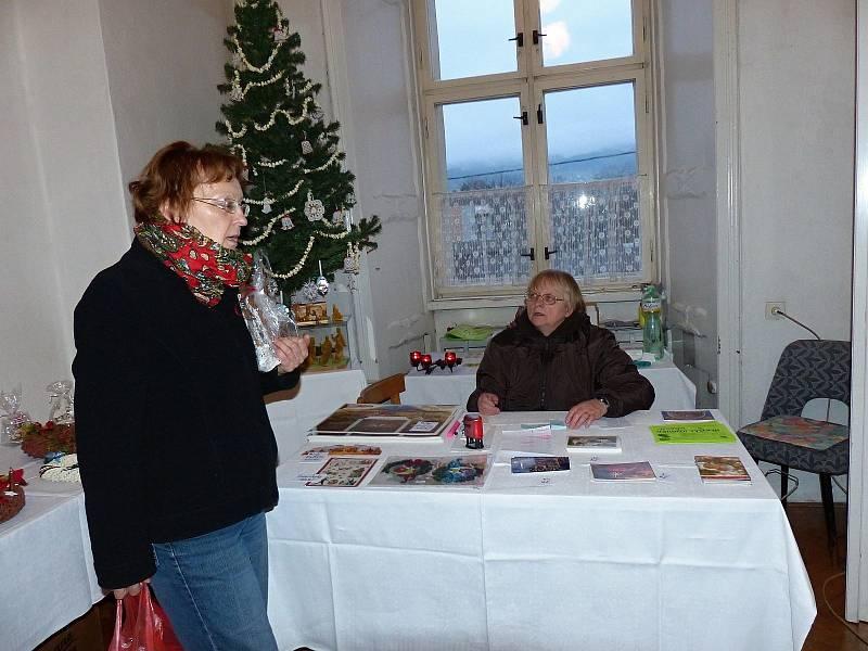 Z vánoční výstavy v trhanovském zámku.