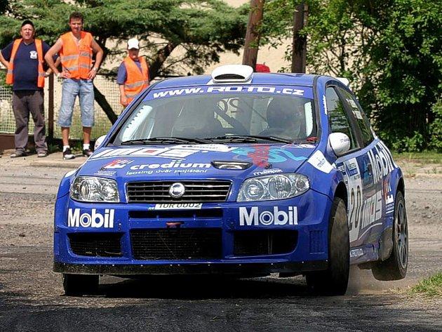 V Tišnově Jan Šlehofer se Zbyňkem Soběhartem vyzkoušeli Fiat Punto S1600