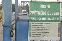 Sběrna nebezpečného odpadu v Chrastavické ulici už jej nebude od lidí přijímat.
