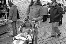 Mladé ženy se minimálně do dvou let dítěte chtějí věnovat mateřským povinnostem. Jejich návrat do práce v době, kdy děti ´dorostou´ do mateřské školy, není jednoduchý