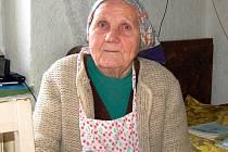 Dvaadevadesátiletá čiperná babička je nejstarší občankou v obci