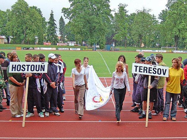 Slavnostní zahájení hostouňské olypiády výchovných ústavů v Domažlicích