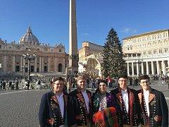 Domažlická dudácká muzika vystoupila ve Vatikánu.
