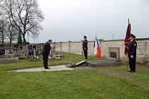 Poběžovický starosta Hynek Říha vzdal poctu obětem druhé světové války.