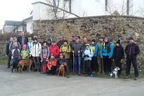Stanětičtí výletníci vyrazili v neděli na výlet na zříceninu Rýzmberk nad Kdyní.