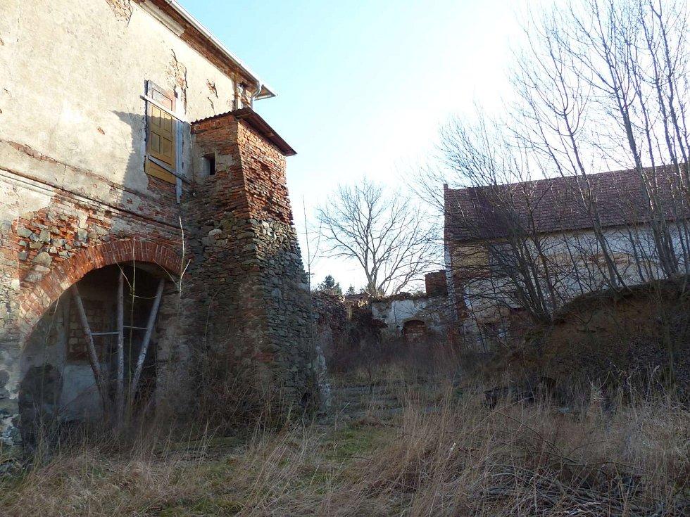 Ždánovský zámeček - pohled ze dvora.