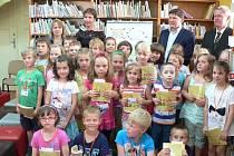 V Horšovském Týně pasovali předškoláky na čtenáře.