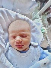 Matyáš Paidar ze Ždánova se narodil 14. října ve 13:41 hodin mamince Haně a tatínkovi Romanovi. Po příchodu na svět v plzeňské FN vážil bráška dvojčat Romana a Tadeáše 3140 gramů a měřil 49 centimetrů.