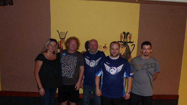 V čele Kdyňské bowlingové ligy je aktuálně Mix Team.