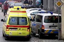 Při nehodách se  bohužel setkávají policisté se záchranáři. Ilustrační foto.
