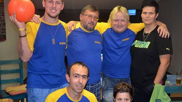 Jedním z účastníků Domažlické bowlingové ligy je Dotiko.