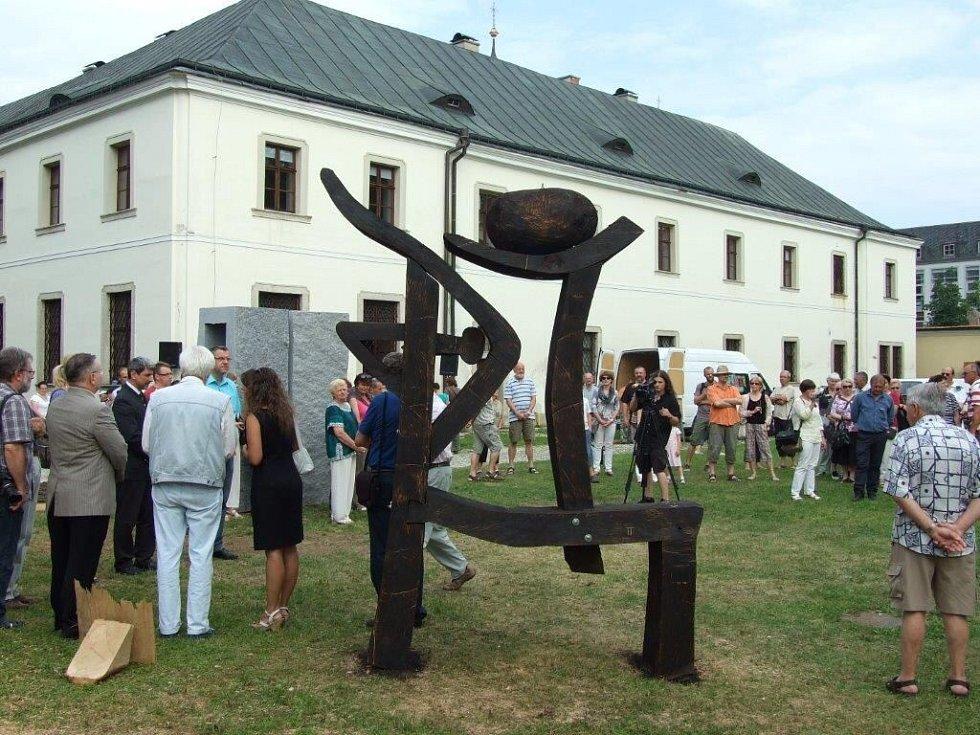 Zakončení sochařského sympozia & Hudba pod hradem.