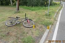 U mostu přes Černý potok v Trhanově havaroval cyklista s téměř třemi promile alkoholu v krvi.