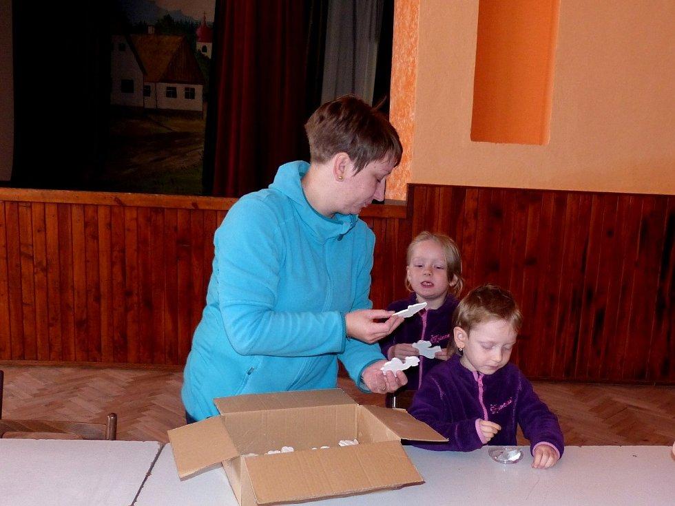 UCHO připravilo v Kulturním domě Tlumačov Podzimní tvoření.