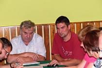 FRANTIŠKA FRIŠE (vlevo) nahradil po 16 letech na postu starosty Postřekova Jan Kreuz.