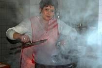 Na vlastní kůži jsem se přesvědčila, že  uvařit téměř dvě stě obědů není zrovna legrace.