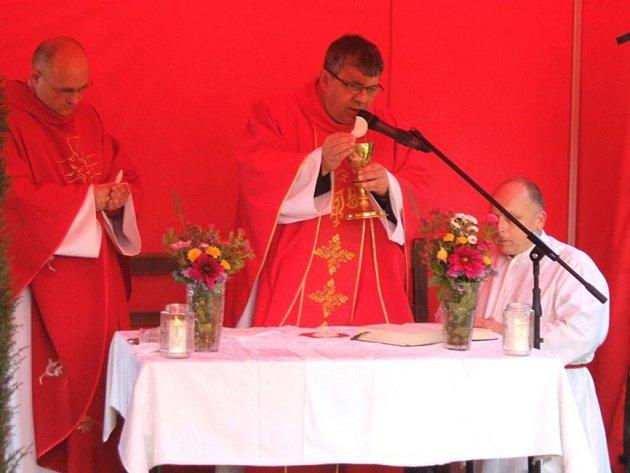 Vysvěcení kaple v Křenovech.
